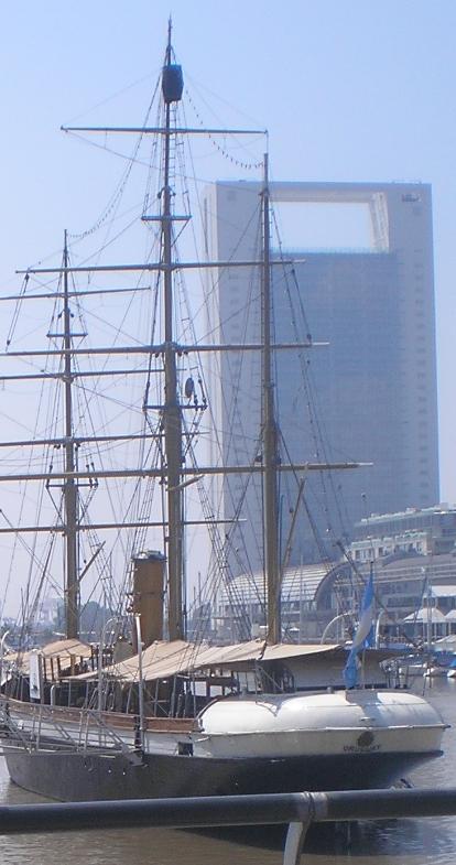 urugay-ship-buenos-aires